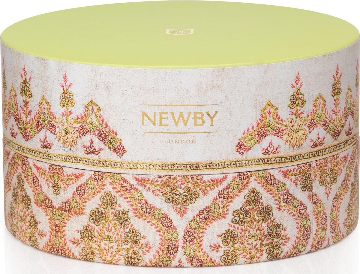 Newby Корона подарочный набор зеленого чая 6 вкусов, 36 шт5023984005613Подарочный набор коллекции Корона состоит из 36 пакетиков чая и содержит 6 сортов зеленого чая. Каждый пакетик упакован в многослойное алюминиевое саше, что гарантировано сохранит его свежесть.Чаи представлены в изысканных подарочных коробочках, дизайн которых был инспирирован бесценными индийскими тканями ручной работы.Вкусовые характеристикиЗеленая Сенча Традиционный зеленый чай, собранный ранней весной, со свежим рисовым ароматом. Цветок Жасмина Классический зеленый чай с нежным ароматом жасмина. Эрл Грин Эксклюзивный купаж зеленого чая, ароматизированный натуральным маслом бергамота. Зеленый Лимон Зеленый чай с цитрусовым ароматом, которым можно насладиться в любой ситуации. Марокканская Мята Купаж зеленого чая с весенними листочками марокканской мяты. Восточная Сенча Зеленый чай с отборными лепестками цветов.