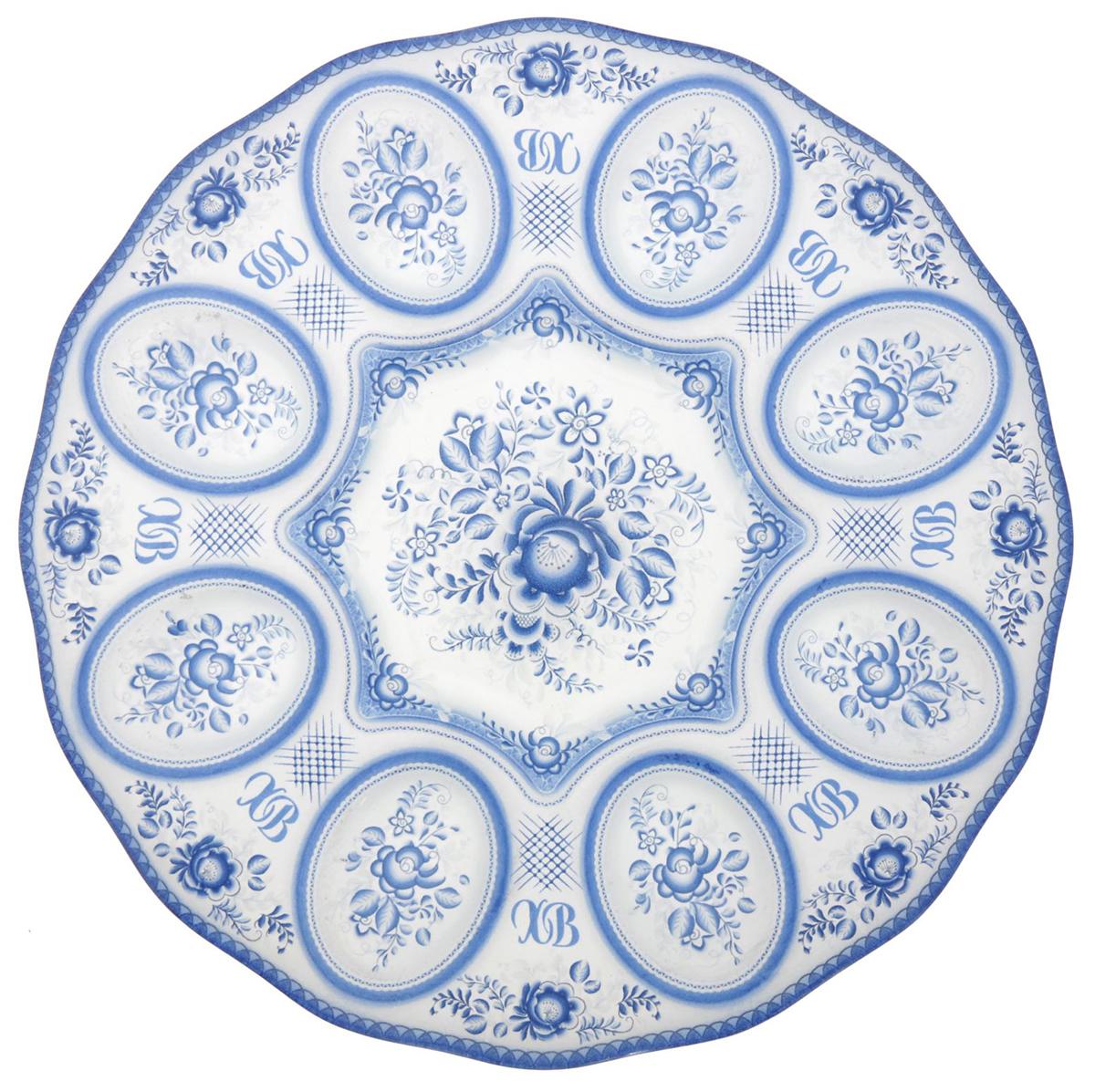 Подставка для яйца Гжель, цвет: голубой, на 8 яиц, диаметр 25 см. 17662081766208От качества посуды зависит не только вкус еды, но и здоровье человека. Подставка на 8 яиц Гжель — товар, соответствующий российским стандартам качества. Любой хозяйке будет приятно держать его в руках. С данной посудой и кухонной утварью приготовление еды и сервировка стола превратятся в настоящий праздник.