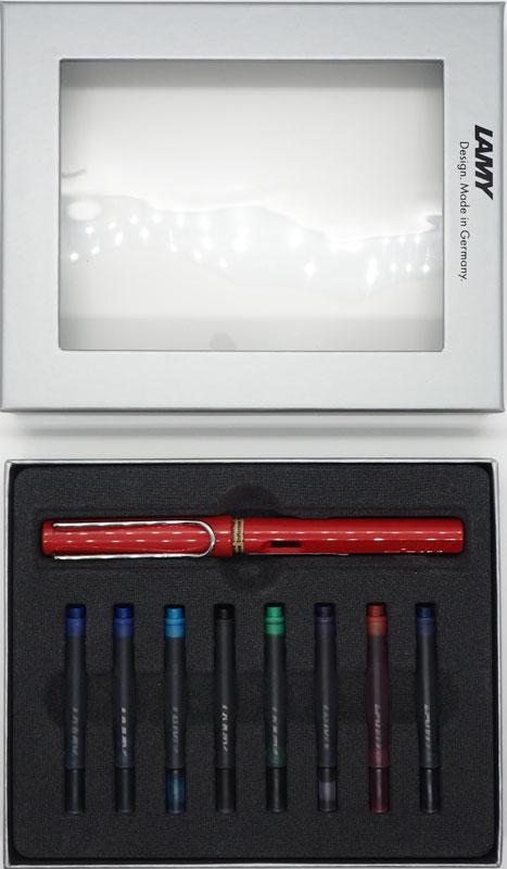 Lamy Набор: ручка перьевая Safari цвет корпуса красный + картриджи 8 шт