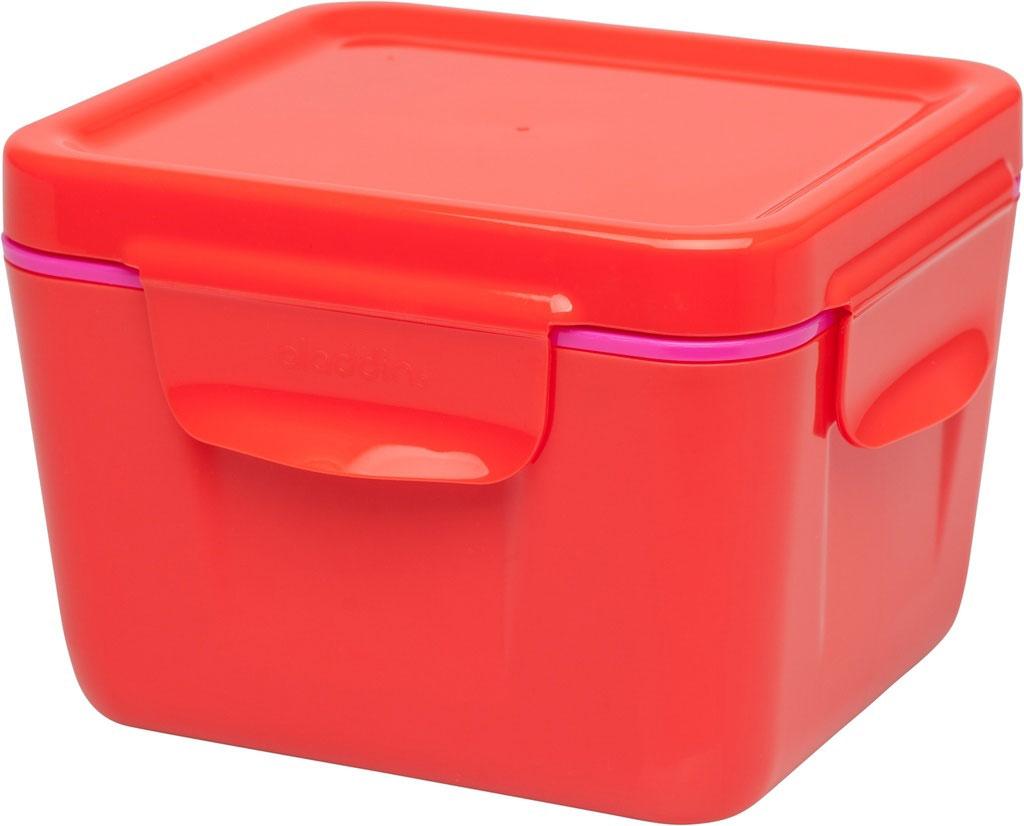 Ланч-бокс Aladdin Bento, цвет: красный, 0,71 л10-02121-006Удобный и надежный ланч-бокс Aladdin Bento для людей, которые поддерживают активный образ жизни, увлекаются спортом, соблюдают здоровое питание или просто любят наслаждаться блюдами собственного приготовления не только дома. Ланч-бокс оснащен крышкой с защелками и сохраняет содержимое горячим не менее 3 часов. Основными преимуществами является компактность и вместительность изделия, безопасный для здоровья материал и современный, функциональный дизайн.