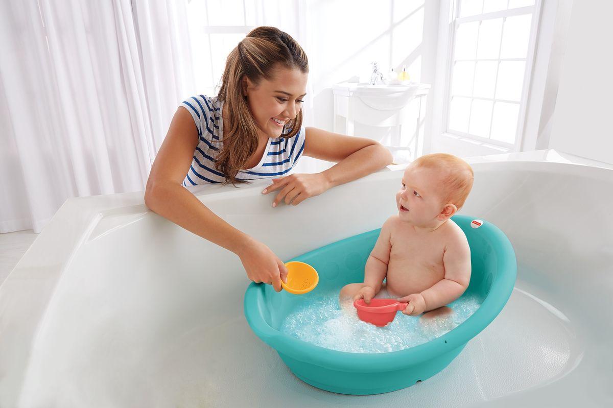 купание ребенка в год