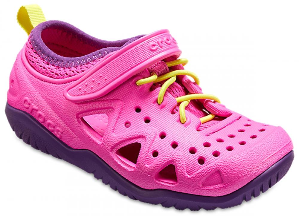 Кроссовки детские Crocs Swiftwater Play Shoe K, цвет: фуксия. 204989-6L0. Размер C7 (24)204989-6L0Детские кроссовки от Crocs выполнены из полимера Croslite. Модель на ноге фиксируется при помощи шнуровки и ремешка на липучке. Благодаря материалу Croslite обувь невероятно легкая, мягкая и удобная. Материал Croslite - бактериостатичен, препятствует появлению неприятных запахов и легок в уходе: быстро сохнет и не оставляет следов на любых поверхностях. Верх модели оформлен отверстиями, которые обеспечивают естественную вентиляцию. Под воздействием температуры тела обувь принимает форму стопы.