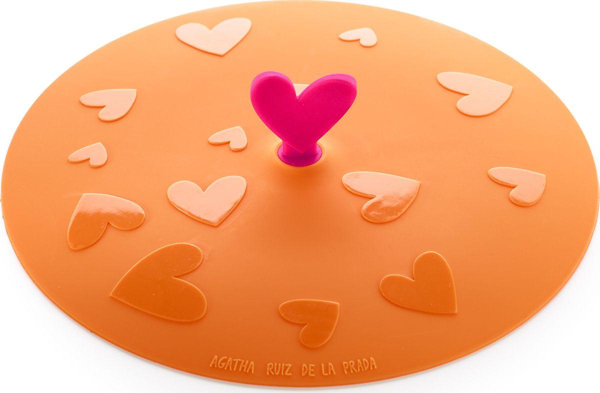 Крышка герметичная Lekue Agatha. Сердце, цвет: оранжевый, диаметр 17 см4613017N07U002Крышка герметичная Lekue Agatha. Сердце - крышка в которой объединились опыт в производстве высоко-качественный посуды от Lekue иуникальный штрих от модного дизайнера.Для хранения и жарки. Новинкой в области кухонных принадлежностей стали силиконовые крышки. Уникальный материал позволяет крышкамгерметично закрывать посуду независимо от диаметра. Силикон способен выдерживать большие перепады температур, не теряя своих свойств, поэтому крышки можно использовать для храненияприготовленных продуктов в холодильнике. Проблема неприятных запахов в холодильнике будет решена навсегда, потому что крышки плотнозакрывают посуду, препятствуя распространению запахов. Силиконовые крышки очень удобны в использовании и позволяют хранить продукты без доступа воздуха, чтобы они оставались свежими втечение нескольких дней.Теперь, имея под рукой такие практичные, удобные компактные силиконовые крышки, хозяйке не надо будет беспокоиться о продуктах, которыенадо сохранить в холодильнике, перевезти на дачу или взять с собой на пикник. Уникальная силиконовая крышка гарантирует наилучшийрезультат, если необходимо сохранить сочность и аромат приготовленных продуктов!Силиконовые крышки герметично закроют любую посуду - от кастрюль и сковородок до тарелок и стаканов. Они практичны: не боятся высокихтемператур (до +260 градусов) и пригорания продуктов, не бьются, легко моются, компактны и удобны в хранении.