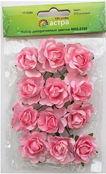 Бумажные цветы с проволочным стебельком. Назначение: скрапбукинг, создание авторских бутоньерок, украшение предметов интерьера и другого.Размер цветка: 3 х 1,5 см.В упаковке 12 цветков.