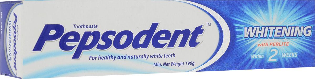 Pepsodent Зубная паста Plus Whitening, 190 г2094079Зубы становятся белее уже через 2 недели! Сохраняет здоровье ваших зубов (содержит кальций и фториды, которые укрепляют зубную эмаль). Содержит активное вещество перлит – бережно удаляет потемнения с поверхности зубов. Освежает дыхание. Подходит для ежедневного использования.