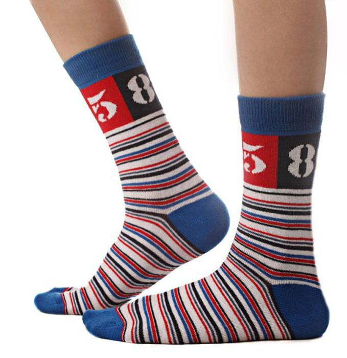 Носки для мальчика Idilio, цвет: синий, белый. SB04. Размер 30/32SB04Комфортные носки для мальчиков с добавлением экологически чистого хлопка, изготовленные без применения химических красителей.