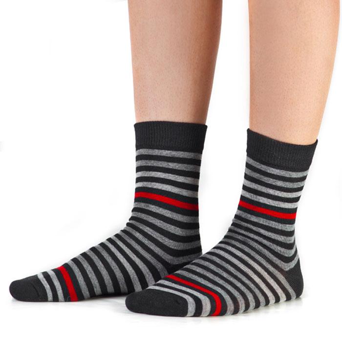 Носки для мальчика Idilio, цвет: черный, полоска. SB11. Размер 27/29SB11Комфортные носки для мальчиков с добавлением экологически чистого хлопка, изготовленные без применения химических красителей.