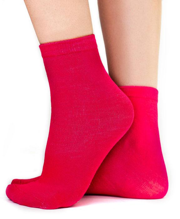 Носки женские Idilio, цвет: красный. SW 07. Размер универсальныйSW 07Комфортные носки, универсального размера, с добавлением экологически чистого хлопка, изготовленные без применения химических красителей.