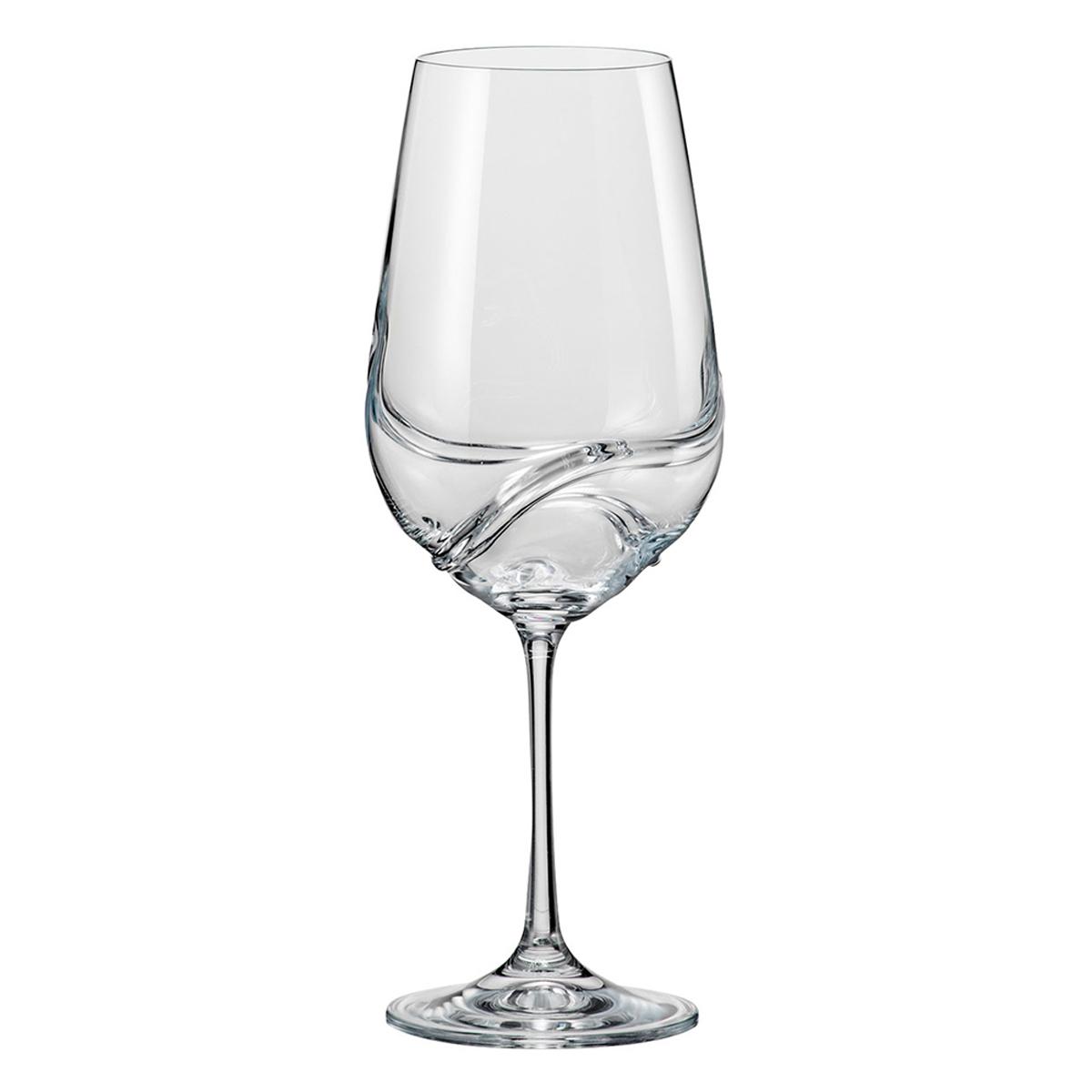 """Бокалы для вина Bohemia Crystal коллекции """"Турбуленция"""" украсят праздничный стол и создадут приятную атмосферу праздника. Они обладают привлекательным внешним видом, а материалом их изготовления является высококачественное хрустальное стекло. Кроме того, данный набор отлично подойдет в качестве оригинального подарка вашим родным и близким. Объем бокала 550 мл. Количество в упаковке 2 шт.На стенках бокалов имеются спирали, которые получаются специальным методом выдува стекла. Спираль одновременно функциональный и украшающий элемент, который ускоряет процесс оксигенации вина и выделения аромата. Благодаря этому, вино не требует часового отстаивания в декантере, достаточно всего несколько секундного вращения в бокале."""
