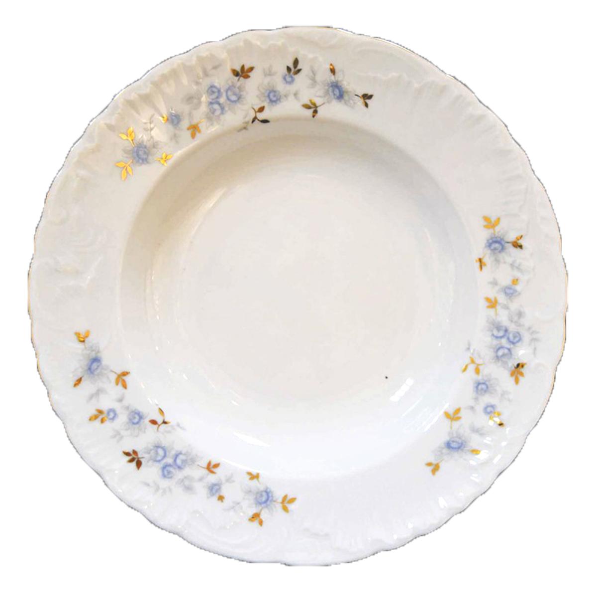 Тарелка глубокая Cmielow Rococo. Голубой цветок, диаметр 22,5 см3006033 9706 blue-Тарелка суповая 22,5 см. Серия Rococo - одна из старейших форм, производимых десятилетиями заводом Cmielow. Это пример исторической актуальности заложенной в элегантную форму. Органические линии и декоративные украшения с асимметричной формой, напоминающей раковины, представляют собой значок стиля. Rococo - лучшее доказательство вневременности классических образцов польского фарфора. Коллекция, которая изящно дополняет столы, оформленные в традиционном и современном стиле. Тарелка изготовлена из высококачественного польского фарфора и украшены рисунком в стиле Голубой Цветок.