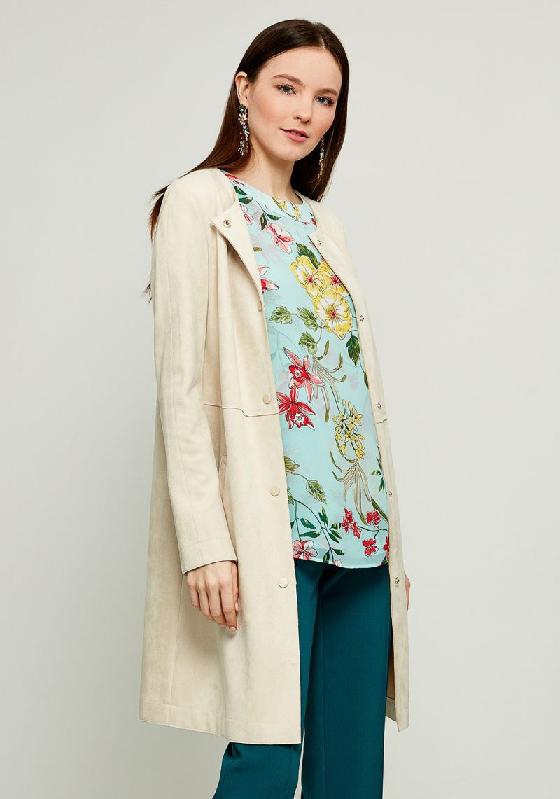 Пальто женское Zarina, цвет: слоновая кость. 8123402117060. Размер 448123402117060Стильное легкое пальто от Zarina выполнено из высококачественного материала. Модель с длинными рукавами и круглым вырезом горловины застегивается на кнопки, а по бокам имеются втачные карманы.