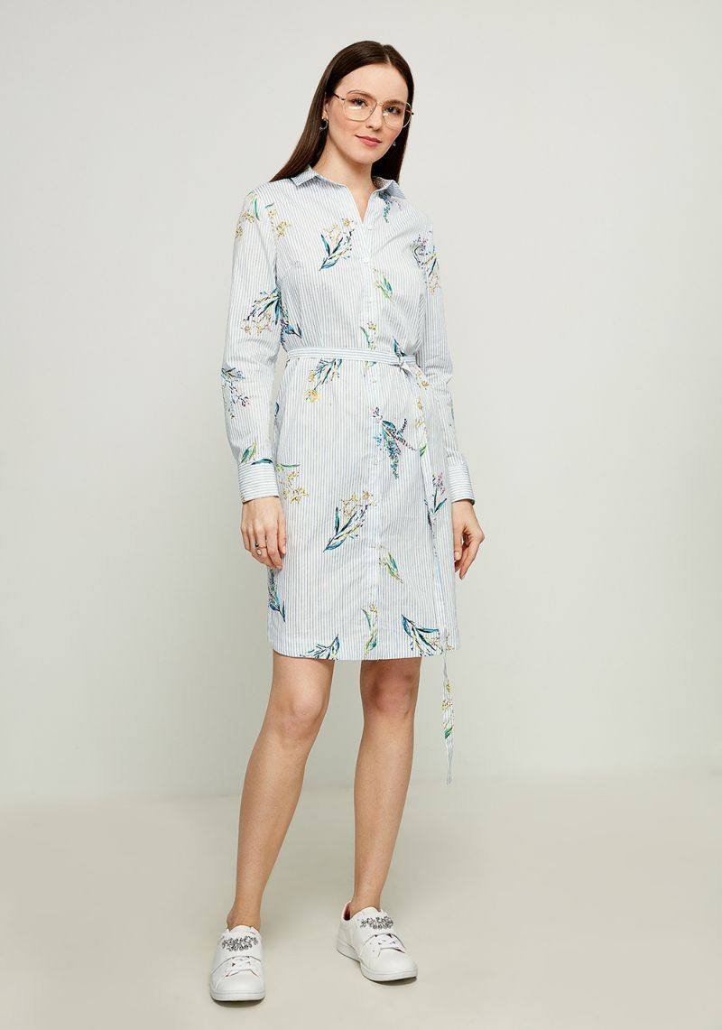 Платье Zarina, цвет: белый. 8123016516099. Размер 468123016516099Стильное платье-рубашка от Zarina выполнено из натурального хлопка. Модель с длинными рукавами и отложным воротником застегивается на пуговицы, на талии дополнена тонким текстильным поясом.