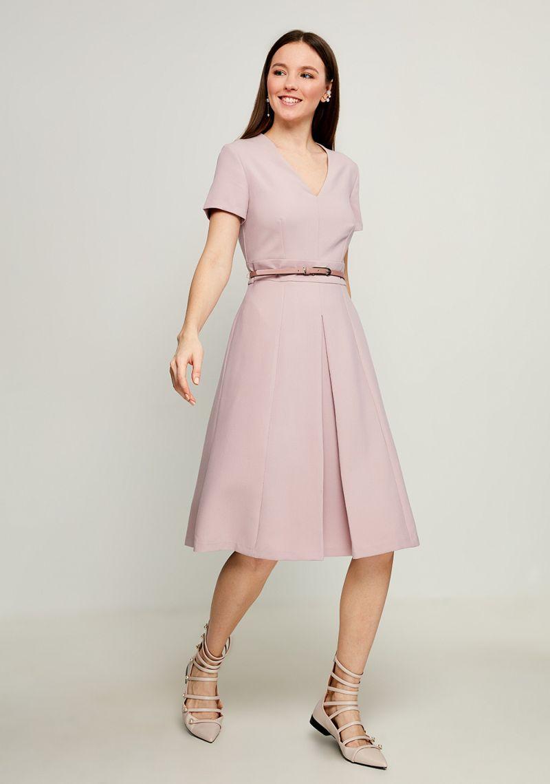 Платье Zarina, цвет: разноцветный. 8123022522098. Размер 508123022522098Стильное платье от Zarina выполнено из высококачественного полиэстера с добавлением вискозы и эластана. Модель приталенного кроя с короткими рукавами и V-образным вырезом горловины на талии дополнена тонким ремешком. Платье застегивается на застежку-молнию на спинке.Данная модель прекрасно сможет подчеркнуть ваш индивидуальный стиль.