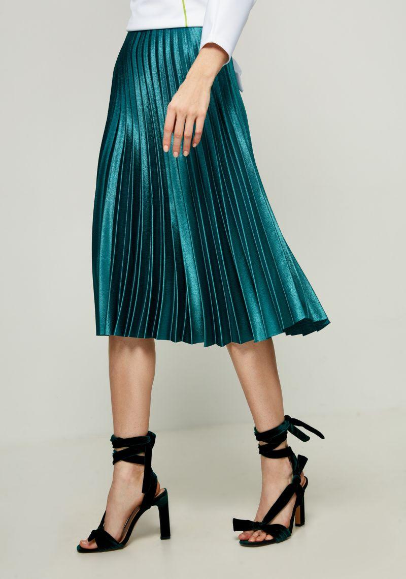 Юбка Zarina, цвет: темно-зеленый. 8123212208017. Размер 468123212208017Плиссированная юбка от Zarina выполнена из высококачественного материала с металлическим эффектом. Модель длины с эластичной резинкой на талии.