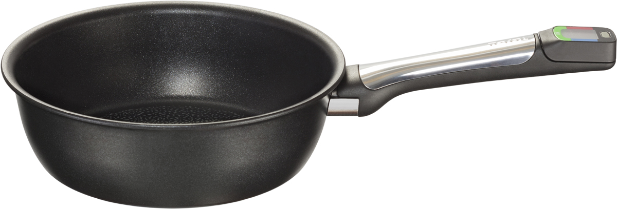 """Сковорода глубокая Tefal """"Assisteo"""" - необычная сковорода, которая поможет вам готовить пищу. В ее ручку встроен интеллектуальный модуль,  измеряющий нагрев, показывающий температуру и своевременно предупреждающий вас звуковым сигналом о том, когда она становится  слишком высокой, и блюдо рискует подгореть.  Умная технология подходит для трех способов приготовления: жарение, тушение и гриль. Посуду можно использовать на плитах любого типа, в том числе индукционных. На дно и стенки нанесено прочное и устойчивое к износу антипригарное покрытие Titanium Excellence, в состав которого входят частицы титана.  Благодаря ему продукты не прилипают, вы можете класть меньше масла или обойтись вообще без него, а мытье после использования не займёт  много времени и не потребует значительных усилий."""