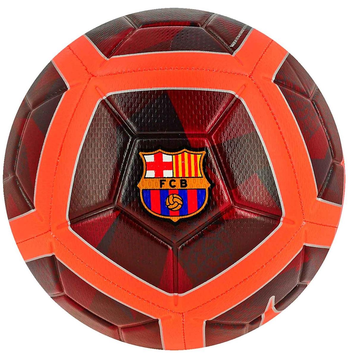 Мяч футбольный Nike Unisex FC Barcelona Strike Football. Размер 5SC3280-681Unisex FC Barcelona Strike FootballФУТБОЛ КАЖДЫЙ ДЕНЬ С ИДЕАЛЬНОЙ ЭКИПИРОВКОЙ. Футбольный мяч унисекс FC Barcelona Strike идеально подходит для ежедневных игр. Благодаря графике Visual Power его легко отслеживать на поле, а укрепленная резиновая камера обеспечивает упругость и сохранение формы.С графикой Visual Power ты увидишь мяч быстрее и отреагируешь вовремя. Текстурированное покрытие для превосходного касания. Желобки Nike Aerotrac для точной траектории полета мяча.Конструкция из 12 панелей для точной траектории полета.