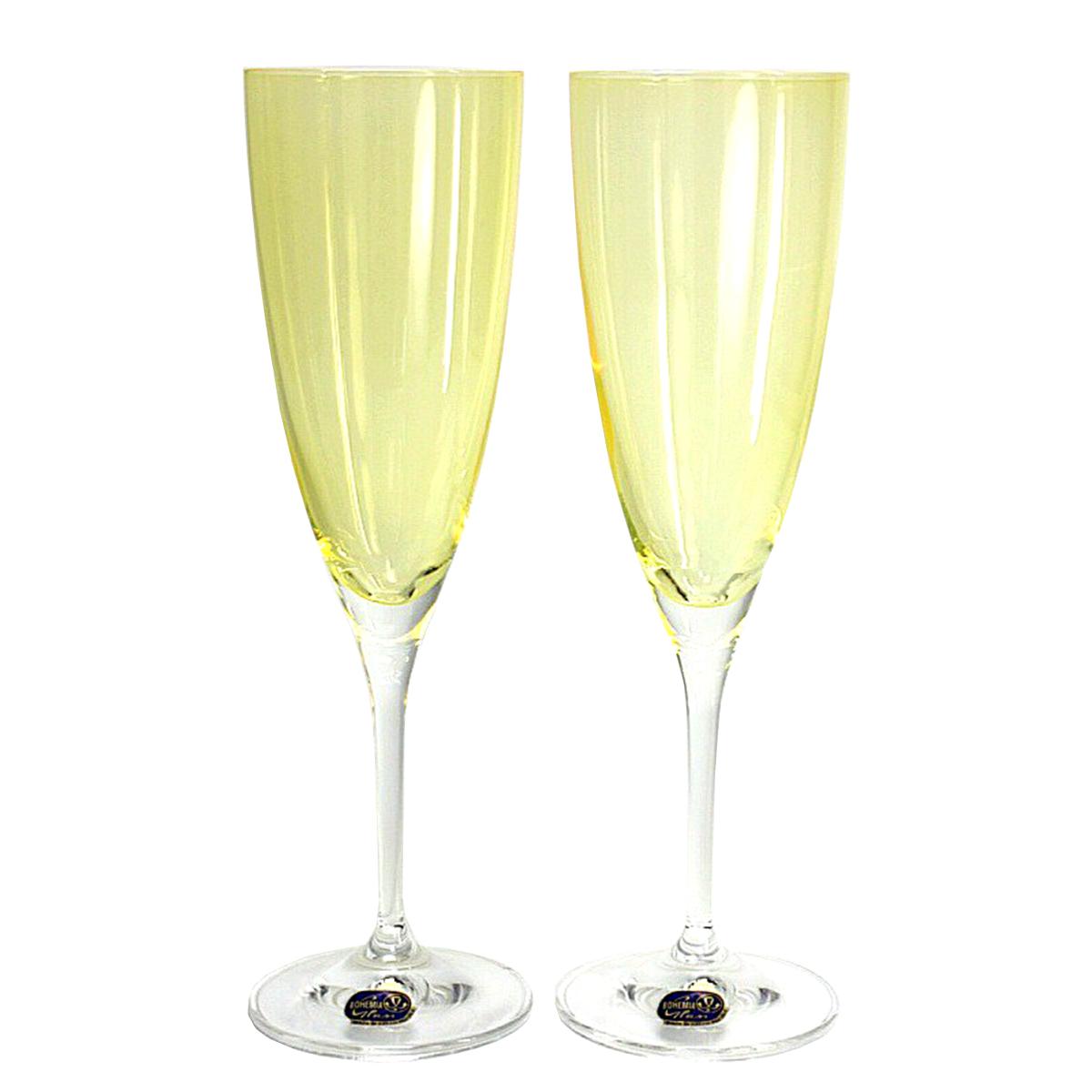"""Набор бокалов для шампанского Bohemia Crystal коллекции """"Кейт"""" порадуют не только вас, но и ваших гостей. Они обладают привлекательным внешним видом, а материалом их изготовления является высококачественное стекло. Кроме того, красоту и форму посуды подчеркивают прозрачные ножки. Объем бокала 220 мл. Количество в упаковке 2 шт."""