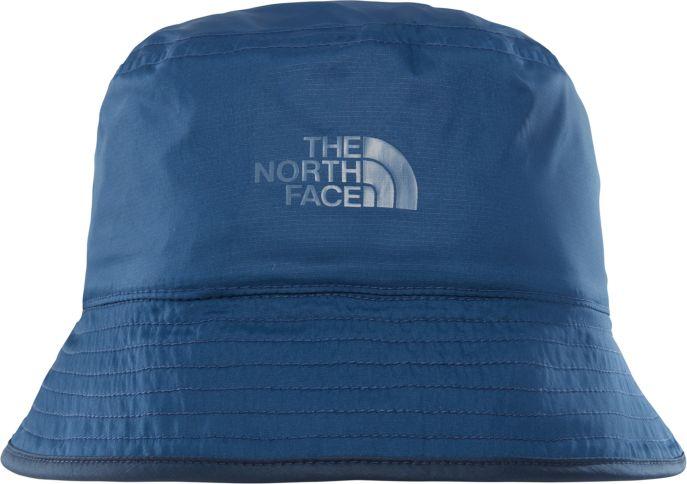 Панама The North Face Sun Stash Hat, цвет: синий, голубой. T0CGZ0LMW. Размер SM (56/57)T0CGZ0LMWДве панамы от солнца разного цвета в одной модели. Фактор защиты UPF 50 прекрасно убережет вашу кожу от ожогов. Водоотталкивающая пропитка поможет панаме быстро высохнуть после дождя. Небольшой кармашек с кнопкой - для того, чтобы упаковать панаму тогда, когда в ней нет необходимости.
