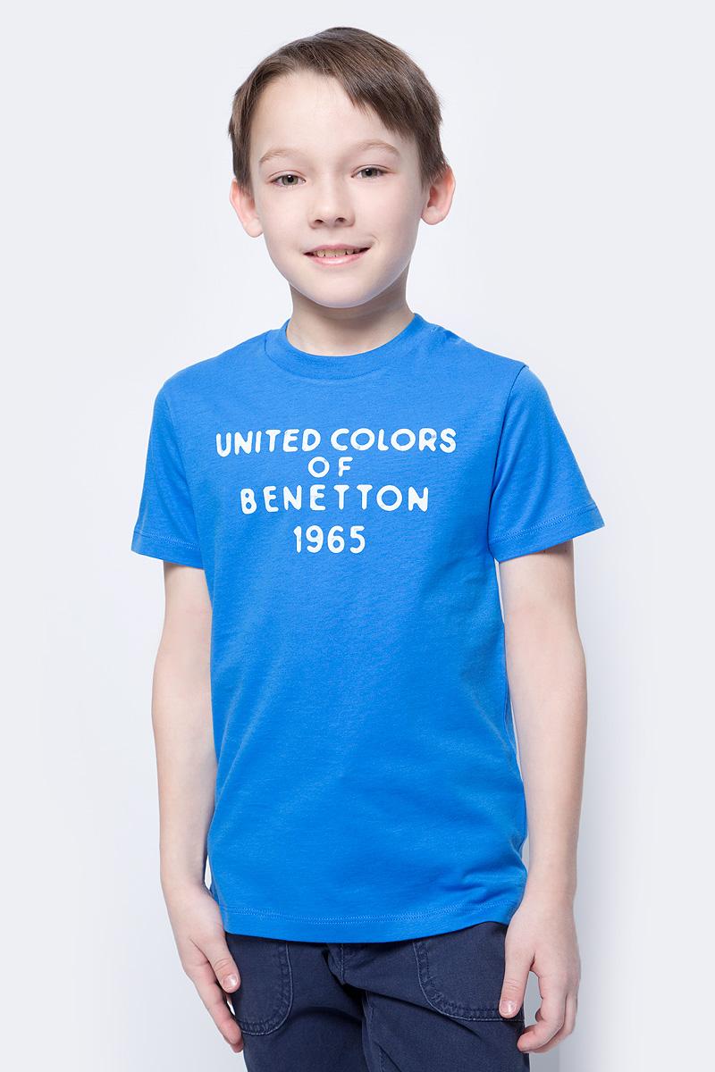 Футболка для мальчика United Colors of Benetton, цвет: ярко-голубой. 3I1XC13HD_0M8. Размер 1103I1XC13HD_0M8Футболка от United Colors of Benetton выполнена из натурального хлопкового трикотажа. Модель с короткими рукавами и круглым вырезом горловины спереди оформлена принтованными надписями.