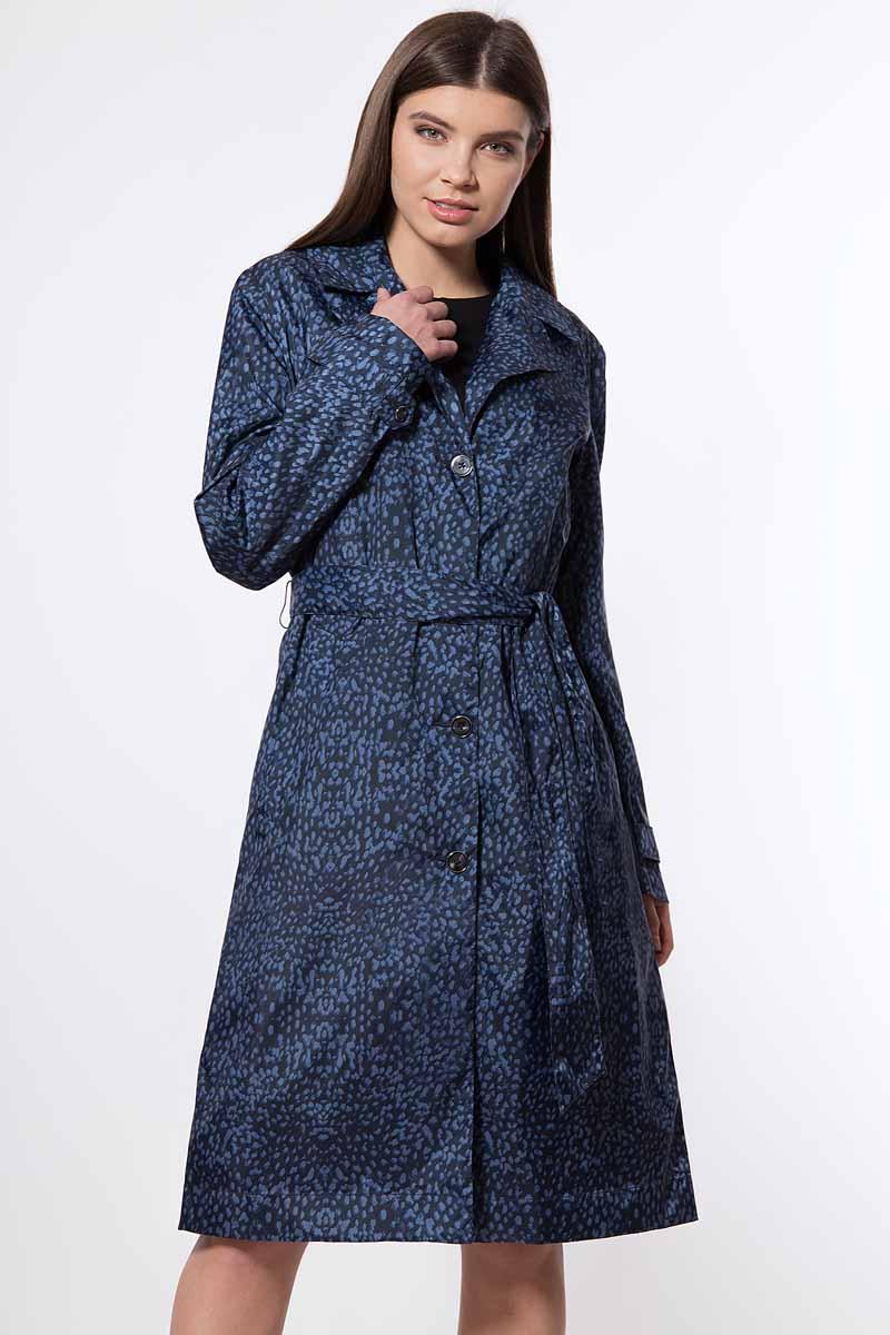 цена на Плащ женский Finn Flare, цвет: темно-синий. B18-12001_101. Размер 3XL (54)
