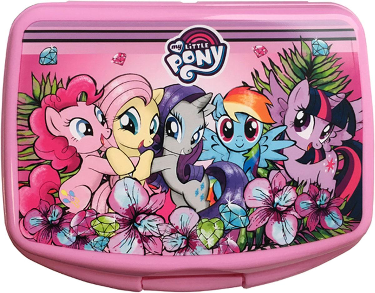 Hasbro Бутербродница детская My Little PonyGR1858_бежевыйБутербродница Hasbro My Little Pony выполнена из высококачественногопищевогополипроплена, что очень удобно и безопасно для детей. Крышка плотнозакрывается на защелку, а благодаря особой конструкции крышки дольшесохраняет пищу свежей и вкусной. Контейнер имеет прямоугольную форму,идеально подходит для бутербродов, салатов и закусок.Такая бутербродница позволит перекусить любимым домашним бутербродомгде угодно: в школе, в походе, поездке, на пикнике. Не занимает много места илегко помещается в любую сумку.