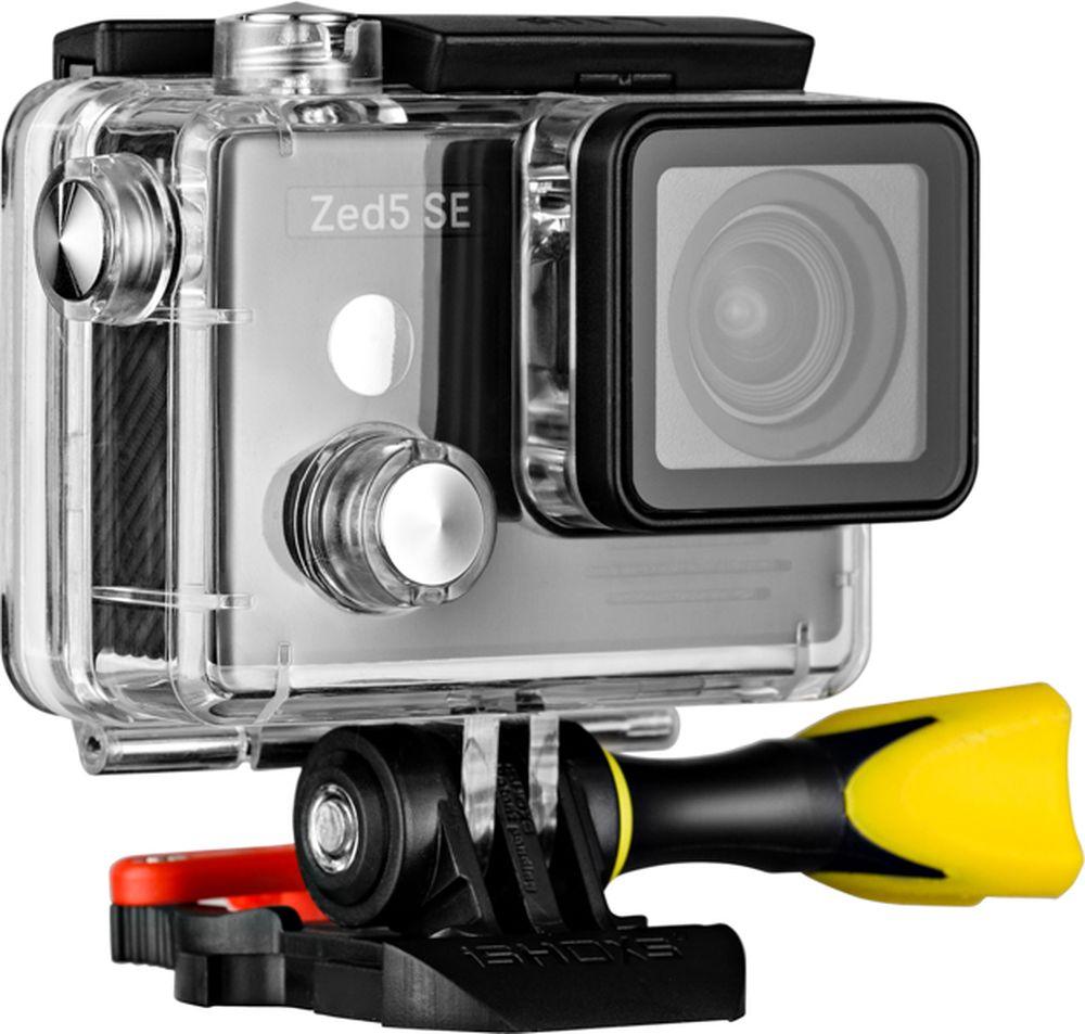 AC-Robin ZED5 SE, Black экшн-камераАК-00000830Экшн-камер AC-Robin Zed5 SE дает возможность делиться своими впечатлениями в отличном качестве. Вы можетепрыгать с парашютом, кататься на сноуборде или погрузиться в морские глубины – эта камера справится слюбыми задачами!AC Robin Zed5 SE имеет угол зрения 90 градусов, который позволяет получать изображение без искажений. 6-тиосевая схема стабилизации позволяет получать четкое изображение при съемки с рук или движущегося объекта.Сенсор SONY IMX117 - сенсор нового поколения от SONY отличается от сенсоров предыдущего поколения болеешироким динамическим диапазоном, меньшим уровнем потребления энергии и повышенным быстродействием.Профессиональные крепления iSHOXS уже в коробке! А также - внешний микрофон, защитный корпус, крепежи длявелосипедных и мотоциклетных рам, наклейки и крепления на другие поверхности.Пользоваться экшен камерами AC Robin легко и просто. Техника имеет российское меню и эргономичныйпользовательский интерфейс.Как выбрать экшн-камеру. Статья OZON Гид