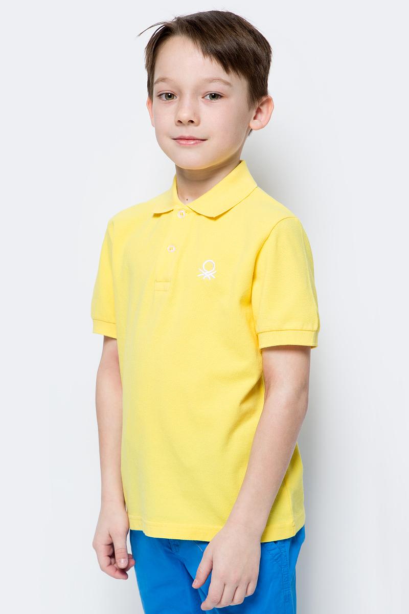 Поло для мальчиков United Colors of Benetton, цвет: желтый. 3089C3303_35R. Размер 1403089C3303_35RЛаконичное поло от United Colors of Benetton выполнено из натурального хлопкового трикотажа. Модель с короткими рукавами и отложным воротником на груди застегивается на пуговицы.