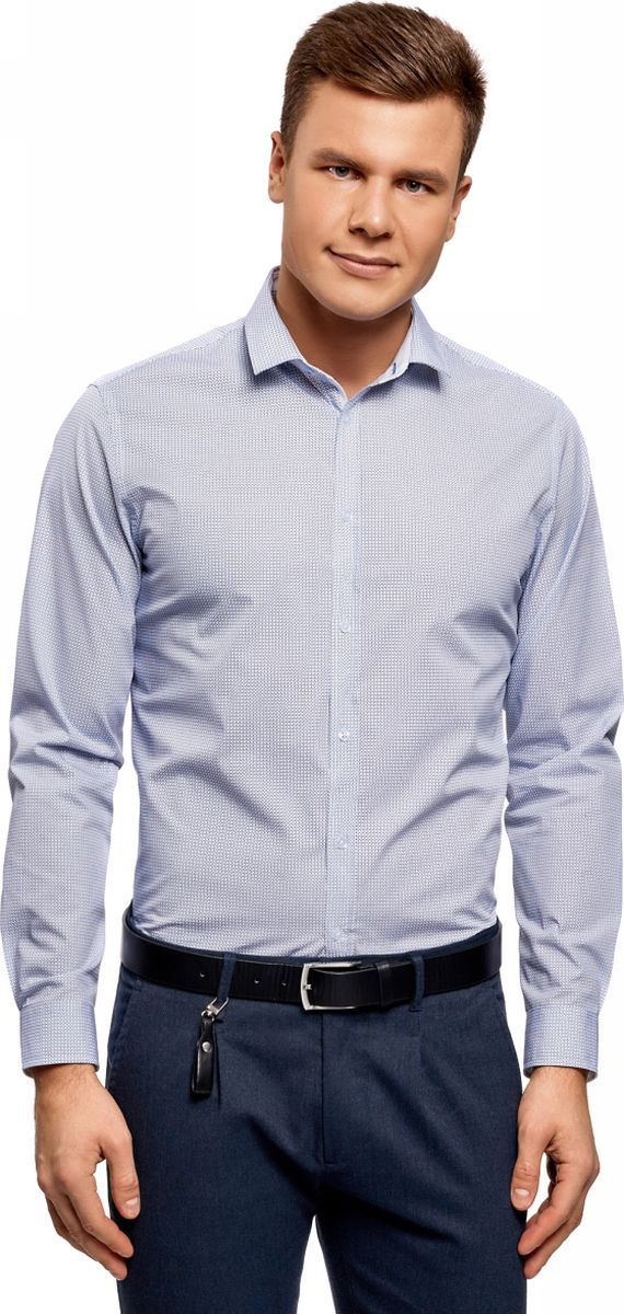 Рубашка мужская oodji Lab, цвет: белый, голубой. 3L110306M/19370N/1070G. Размер 43 (54-182)3L110306M/19370N/1070GЭлегантная рубашка с длинными рукавами и аккуратным отложным воротником. Модель приталенного силуэта с застежкой на пуговицы, рукавами с манжетами и округлым низом смотрится стильно и одновременно сдержанно. Ткань из хлопка приятна для тела, дышит и хорошо отводит влагу, не раздражая кожу. В такой рубашке вам будет комфортно целый день. Приталенный крой подчеркивает силуэт и подходит для разных фигур. Приталенная хлопковая рубашка органично впишется в ваш базовый гардероб. Она универсальна и будет уместна в любой ситуации. Ее можно надеть, собираясь на работу или официальное мероприятие. Прекрасный комплект получится с классическими брюками и туфлями или оксфордами. Эта же рубашка подойдет и для отдыха, встречи с друзьями в приятной обстановке. Достаточно лишь дополнить ее джинсами и ботинками в стиле casual. В этой рубашке вы всегда будете выглядеть непринужденно и элегантно.