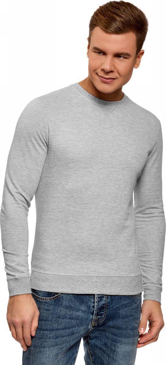 Свитшот мужской oodji Basic, цвет: серый меланж. 5B113002M/46738N/2300M. Размер XL (56)5B113002M/46738N/2300MУдобный трикотажный свитшот от oodji из хлопка. Модель с круглым вырезом и длинными прямыми рукавами. Низ, манжеты и горловина из трикотажной резинки. На груди, под горловиной, V-образная вставка. Модель сшита из плотного эластичного трикотажа со 100% содержанием хлопка. Материал приятен для тела и отлично пропускает воздух. В этом свитшоте вы будете чувствовать себя комфортно и непринужденно. Крой прямой, длина немного ниже линии талии. Такой фасон подходит для любой фигуры. Базовый свитшот из хлопкового трикотажа – хороший вариант для тех, кто ценит в одежде простоту и удобство. Он гармонично сочетается с вещами в повседневном стиле и будет уместен в любой неофициальной обстановке. Вы сможете носить этот свитшот с джинсами или брюками-чиносами. Если вы хотите продемонстрировать достоинства своей фигуры, можно подобрать зауженные брюки или джинсы скинни. С таким нарядом хорошо будут смотреться кеды, кроссовки или ботинки с массивной подошвой, на шнуровке. В прохладную погоду комплект можно дополнить бомбером или укороченной джинсовой курткой. Если вам по душе активный образ жизни, этот удобный свитшот – то, что вам нужно.