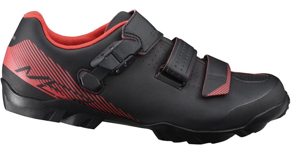 Велотуфли мужские Shimano SH-ME300, цвет: черный, оранжевый. Размер 42SH-ME300Обладая высокой степенью долговечности и удивительным комфортом, обувь Shimano ME3 (ME300) разработана для любителей MTB.Две прочных липучки и стреп для ровной и надежной посадки.Прочный резиновый протектор обеспечивает отличное сцепление для ходьбы.Подошва из стекловолокна для передачи мощности.Верх из синтетической кожи.