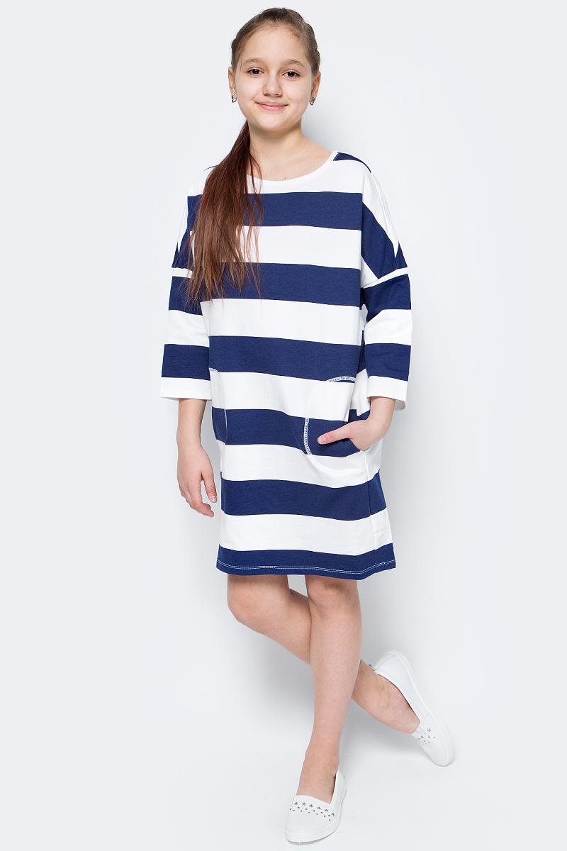 Платье для девочки United Colors of Benetton, цвет: синий, белый. 3XP3F11M3_902. Размер 1503XP3F11M3_902Трикотажное платье от United Colors of Benetton выполнено из натурального хлопка. Модель прямого кроя с рукавами 3/4 со спущенным плечом и круглым вырезом горловины по бокам дополнена карманами.