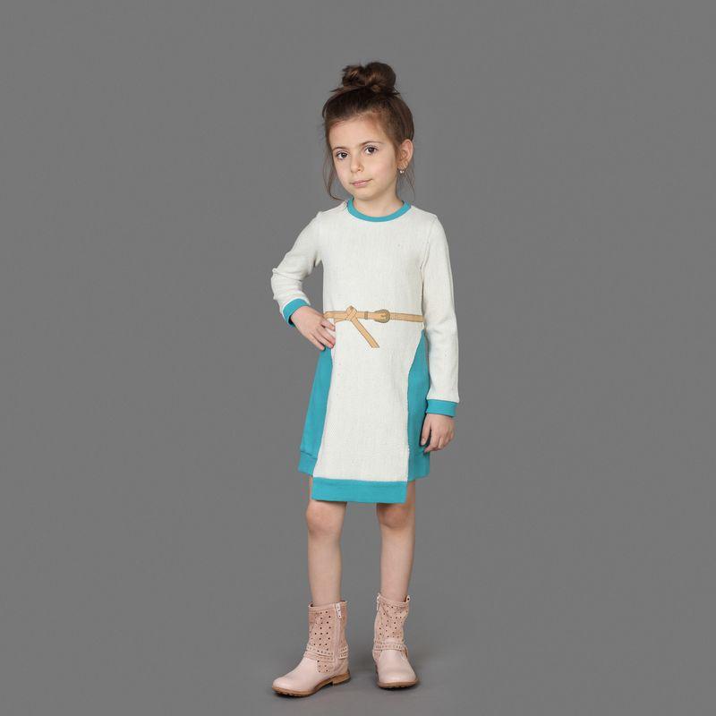 Платье для девочки Ёмаё, цвет: синий. 12-503. Размер 12212-503Оригинальное вязаное платье от Ёмаё из коллекции Гуси-лебеди.
