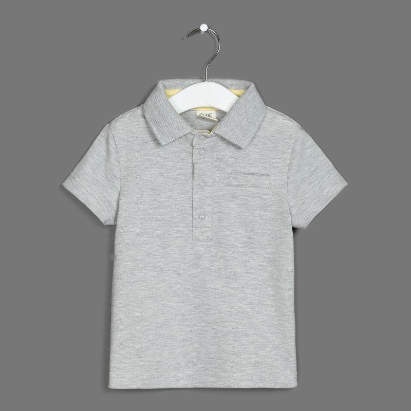 Поло для мальчика Ёмаё, цвет: серый. 27-706. Размер 11027-706Футболка-поло от Ёмаё из коллекции Городские сумасшедшие.