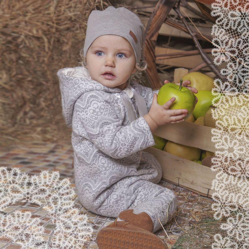 Шапка для девочки Ёмаё, цвет: светло-серый. 45-611. Размер 4245-611Удобная шапочка от Ёмаё для вашей малышки. Выполнена из однотонной ткани кулирки с лайкрой. Прекрасно дополнит образ любой модели из этой же коллекции.