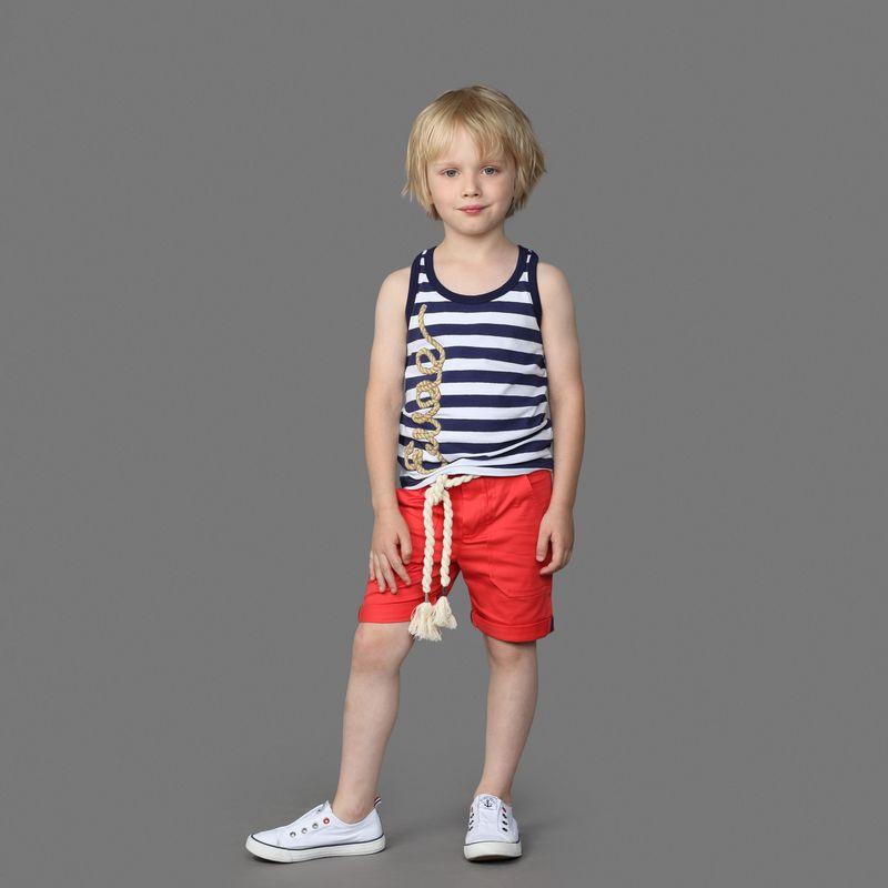 Шорты для мальчика Ёмаё, цвет: красный. 46-909. Размер 11646-909Шорты от Ёмаё прямого кроя. Модель выполнена из эластичного хлопка, застегивается на пуговицу и молнию. Есть шлевки для ремня, два внешних кармана спереди и один кармана сзади с правой стороны. Отлично дополнят образ вместе с майкой или футболкой из этой же коллекции.