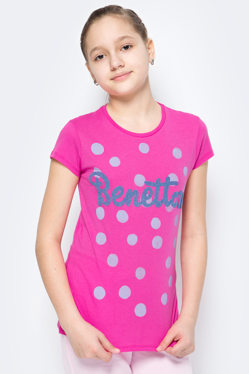 Футболка для девочки United Colors of Benetton, цвет: ярко-розовый. 3096C13IZ_32U. Размер 1703096C13IZ_32UФутболка от United Colors of Benetton выполнена из натурального хлопкового трикотажа. Модель с короткими рукавами и круглым вырезом горловины спереди оформлена принтом.