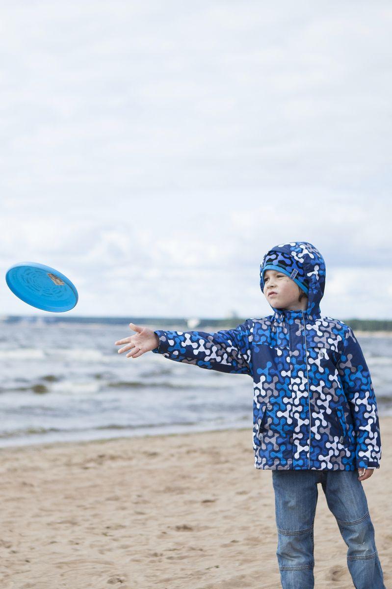 Куртка для мальчика Reike, цвет: темно-синий. 40 895 121_SPN(60) navy. Размер 116, 6 лет40 895 121_SPN(60) navyКуртка для мальчика Reike Spinner выполнена из ветрозащитного, водоотталкивающего и дышащего мембранного материала, декорированного ярким молодежным принтом. Подкладка - полиэстер, на воротнике и ветрозащитной планке вставки из микрофлиса. Манжеты на резинке дополнительно регулируются с помощью липучек. Модель имеет съемный регулирующийся капюшон, три кармана на молнии и полоску светоотражателя спереди. Базовый уровень. Коэффициент воздухопроницаемости куртки 2000гр/м2/24 ч. Водоотталкивающее покрытие: 2000 мм. Утеплитель: Polyfill 60 гр.