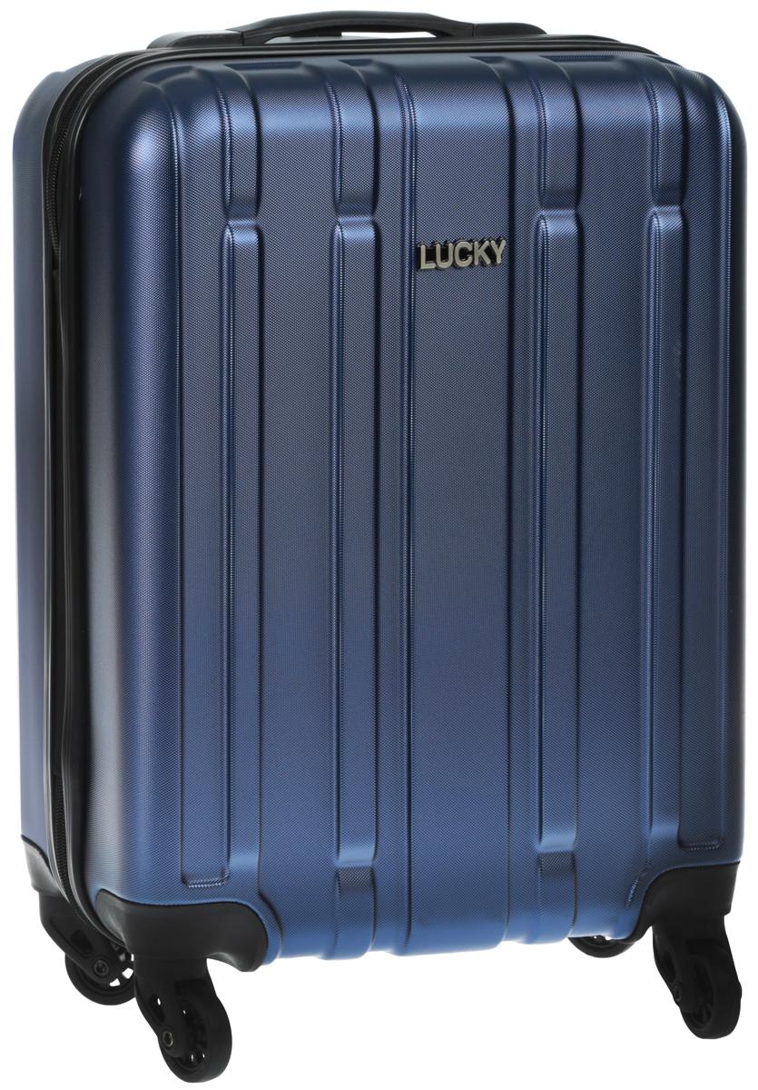Чемодан Lucky Club, пластиковый, цвет: синий. 17-005-BLUE 46CM17-005-BLUE 46CMЧемодан Lucky Clab, выполненный из прочного пластика,прекрасно подойдет для путешествий. Изделие имеет жесткую форму. Материалвнутренней отделки - нейлон. Чемодан очень вместителен, он содержитпродуманную внутреннюю организацию, которая позволяет удобно разложитьвещи. Имеется два отделения, которые закрываются по периметру на застежку- молнию с двумя бегунками. Большое отделение для хранения одежды оснащеноперекрещивающимися багажными ремнями, которые соединяются при помощипластиковой застежки. Второе отделение на молнии с двумя бегунками.Для удобной перевозки чемодан оснащен четырьмя маневренными колесами,которые обеспечивают легкость перемещения в любом направлении.Телескопическая ручка выдвигается нажатием на кнопку и фиксируется в 1положении. Сверху и сбоку предусмотрены ручки для поднятия чемодана.Чемодан оснащен кодовым замком, который исключает возможность взлома. Чемодан Lucky Clab идеально подходит для поездок и путешествий. Он вместитвсе необходимые вещи и станет незаменимым аксессуаром во время поездок.