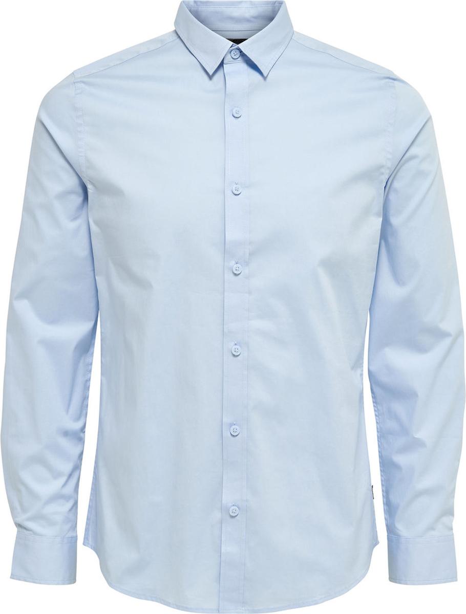 Рубашка мужская Only & Sons, цвет: синий. 22007080. Размер XL (52)22007080Стильная мужская рубашка Only & Sons, выполненная из эластичного хлопка, подчеркнет ваш уникальный стиль и поможет создать оригинальный образ. Такой материал великолепно пропускает воздух, обеспечивая необходимую вентиляцию, а также обладает высокой гигроскопичностью. Рубашка slim fit с длинными рукавами и отложным воротником застегивается на пуговицы спереди. Манжеты рукавов также застегиваются на пуговицы.