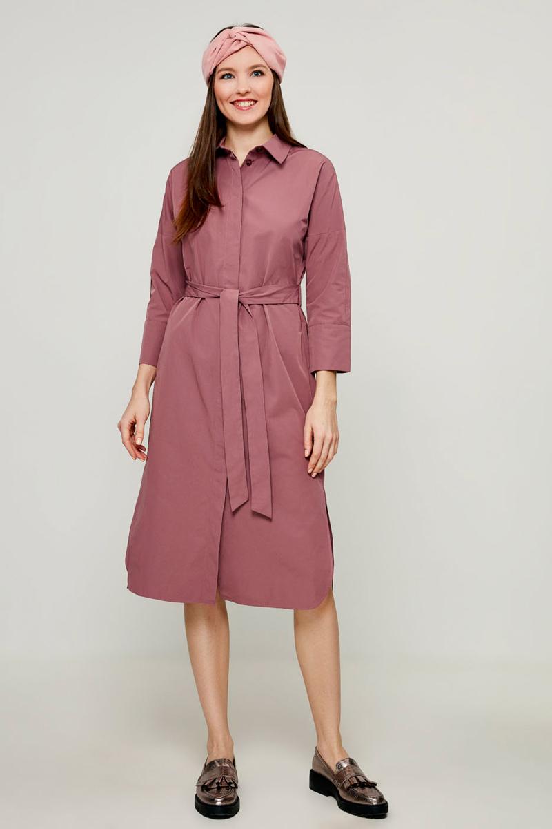 Платье Zarina, цвет: светло-бордовый. 8122034534078. Размер 508122034534078Платье-рубашка Zarina - стильное и модное решение на каждый день. Модель миди-длины с длинными рукавами и отложным воротничком спереди застегивается на пуговицы по всей длине. Рукава дополнены манжетами с пуговицей. Платье на талии дополнено широкой резинкой с поясом.