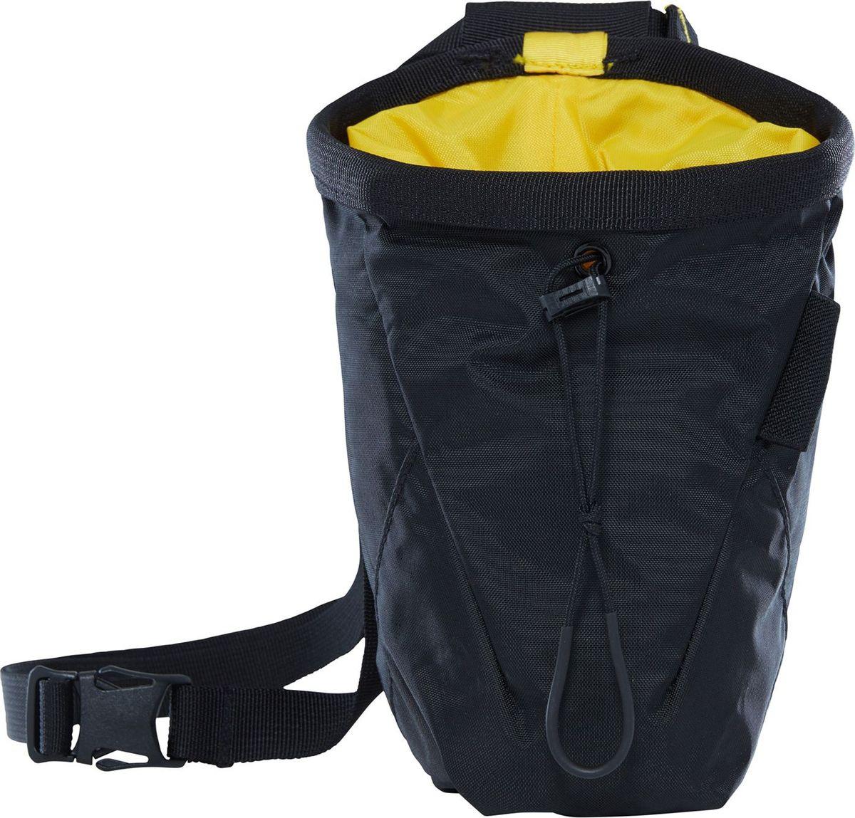 Прочный, но легкий мешочек для магнезии с карбоновым покрытием. Небольшой карман на  молнии для мелочей.