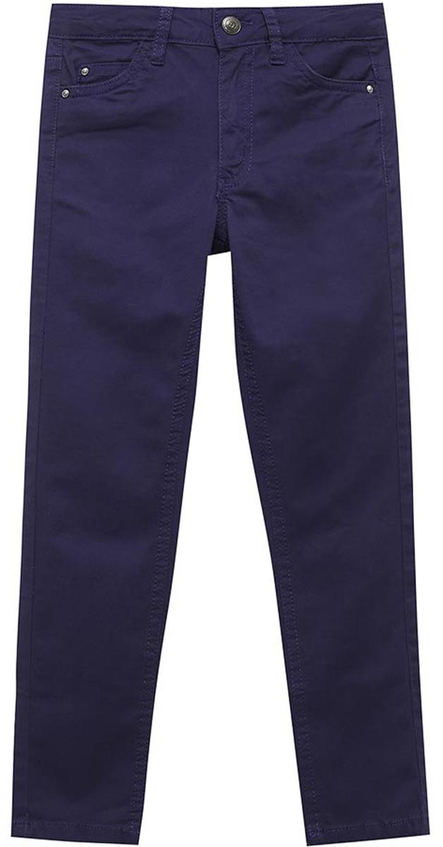 Брюки для девочки Sela, цвет: фиолетово-синий. P-615/1050-8161. Размер 128, 8 летP-615/1050-8161Брюки для девочки от Sela выполнены из эластичного хлопка. Модель стандартной посадки застегивается на пуговицу в поясе и ширинку на застежке-молнии. Пояс имеет шлевки для ремня. Спереди брюки дополнены двумя втачными карманами и одним накладным карманом, сзади - двумя накладными карманами.