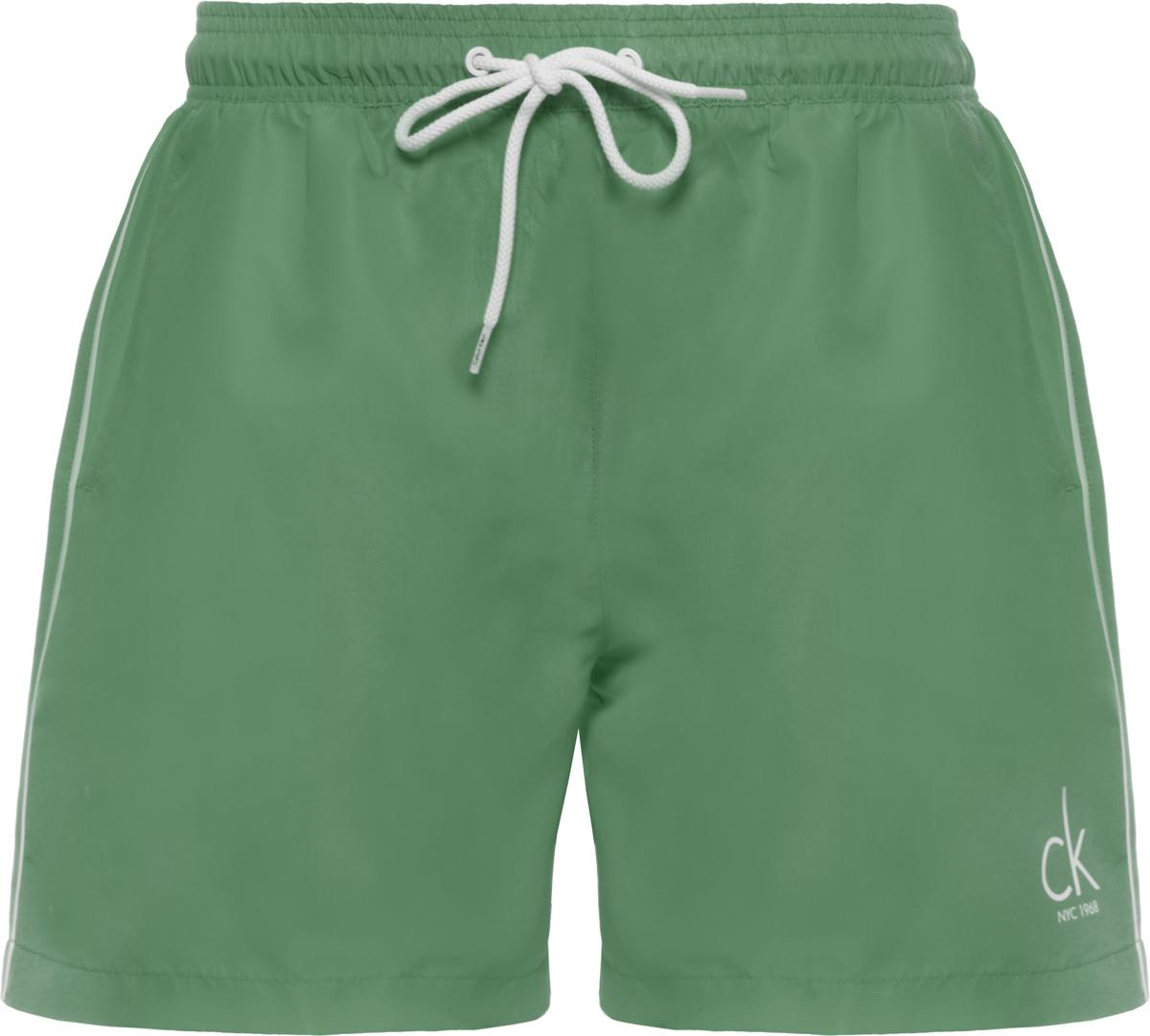 Шорты купальные мужские Calvin Klein Underwear, цвет: зеленый. KM0KM00139. Размер XL (52)KM0KM00139Шорты купальные мужские Calvin Klein Underwear выполнены из полиэстера. Модель дополнена затягивающимся шнурком.