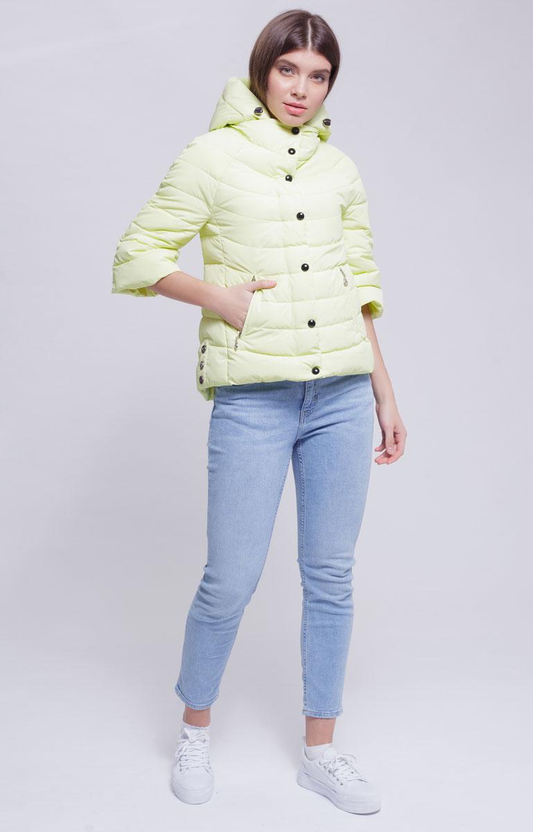 Куртка женская Ampir Style, цвет: лимонный. 1873. Размер 421873Качественная и практичная куртка российского производства. Наполнитель - холлофайбер в пух-пакетах. Можно стирать в машинке, наполнитель не убежит. На модели 42 размер куртки, параметры модели 82х64х89, рост 175 см.