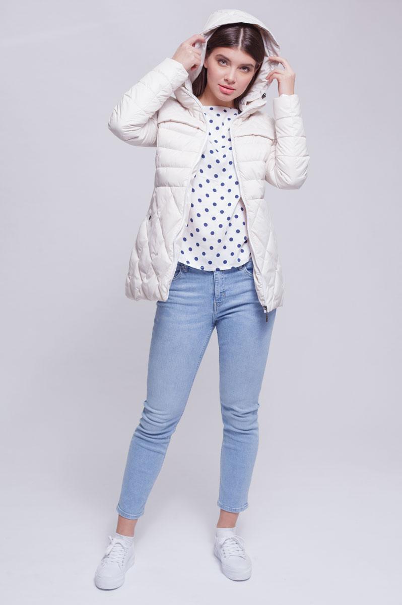 Куртка женская Ampir Style, цвет: бежевый. 8912. Размер 488912Качественная и практичная куртка российского производства. Наполнитель - холлофайбер в пух-пакетах. Можно стирать в машинке, наполнитель не убежит. На модели 42 размер куртки, параметры модели 82х64х89, рост 175 см.