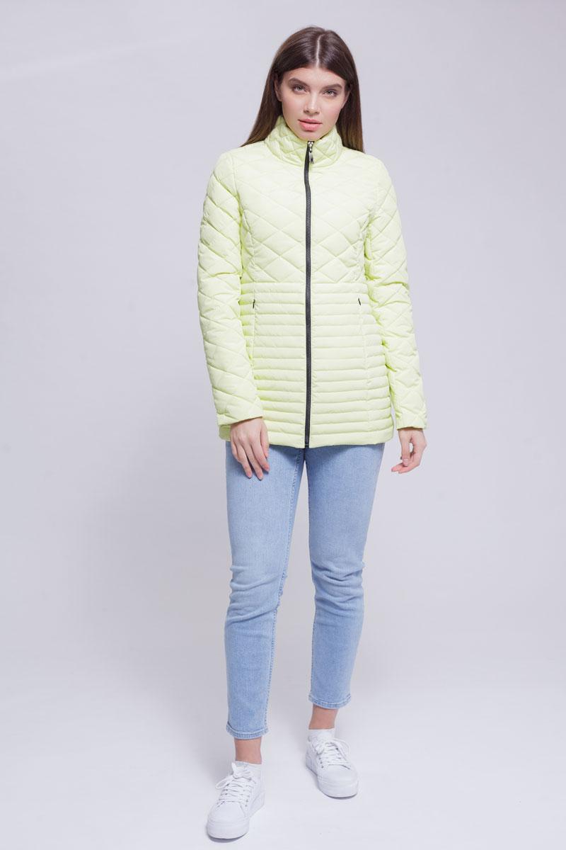 Куртка женская Ampir Style, цвет: лимонный. 8918. Размер 508918Качественная и практичная куртка российского производства. Наполнитель - холлофайбер в пух-пакетах. Можно стирать в машинке, наполнитель не убежит. На модели 42 размер куртки, параметры модели 82х64х89, рост 175 см.