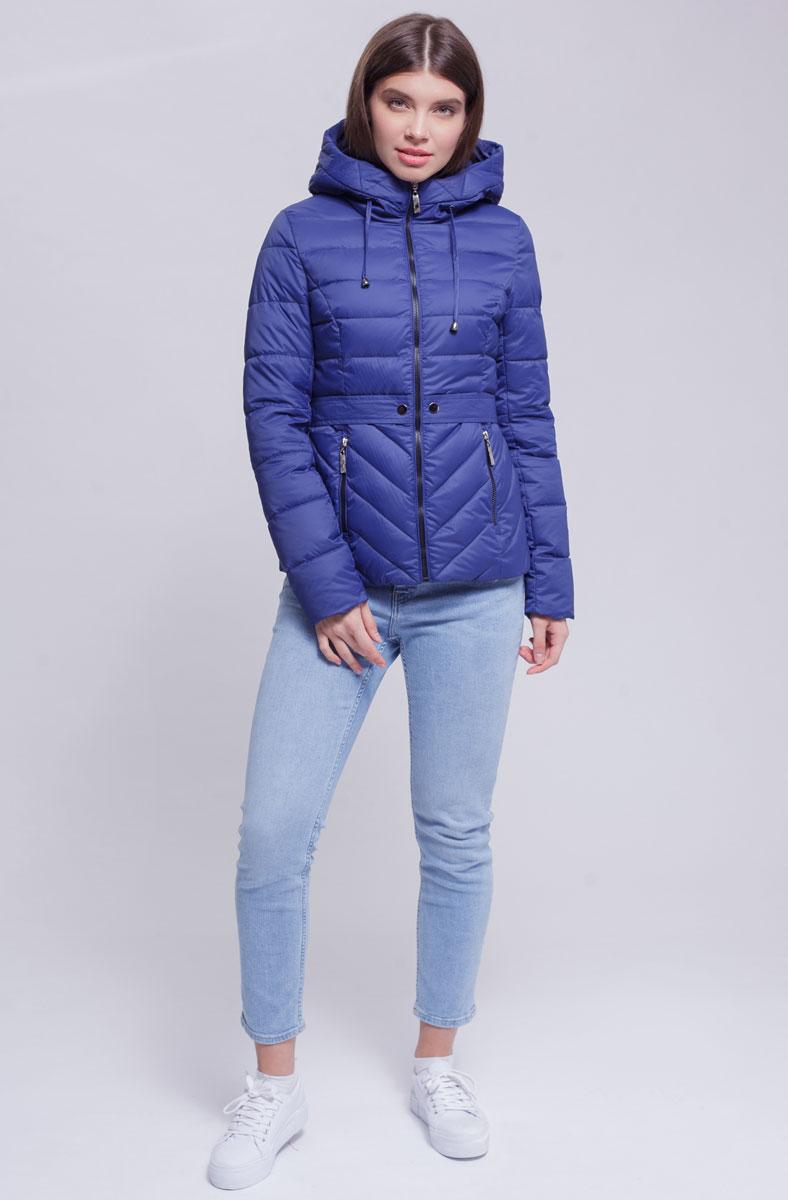 Куртка женская Ampir Style, цвет: темно-синий. 8921. Размер 428921Качественная и практичная куртка российского производства. Наполнитель - холлофайбер в пух-пакетах. Можно стирать в машинке, наполнитель не убежит. На модели 42 размер куртки, параметры модели 82х64х89, рост 175 см.