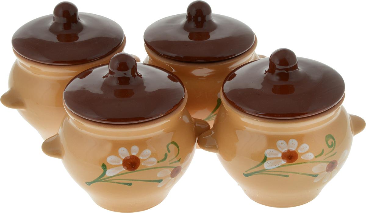 """Набор Борисовская керамика """"Подарочный. Цветок"""" состоит из 4  горшочков для запекания с крышками. Каждый предмет  набора выполнен из высококачественной керамики.  Уникальные свойства красной глины и толстые стенки  изделия обеспечивают """"эффект русской печи"""" при  приготовлении блюд. Блюда, приготовленные в керамическом  горшке, получаются нежными и сочными. Вы сможете  приготовить мясо, сделать томленые овощи и все это без  капли масла. Это один из самых здоровых способов готовки.   Можно использовать в духовке и микроволновой печи.   Диаметр горшка (по верхнему краю): 9,5 см.  Высота стенок: 10 см.  Объем: 500 мл.  В комплект входит книжка с рецептами."""