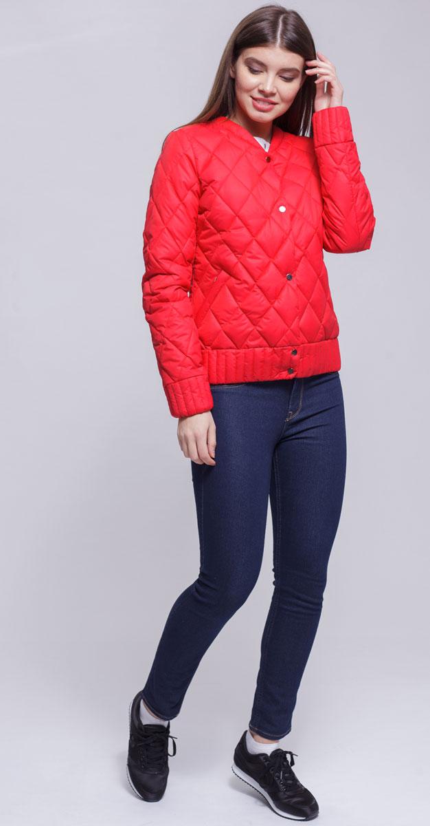 Куртка женская Ampir Style, цвет: коралловый. 8923. Размер 448923Качественная и практичная куртка российского производства. Наполнитель - холлофайбер в пух-пакетах. Можно стирать в машинке, наполнитель не убежит. На модели 42 размер куртки, параметры модели 82х64х89, рост 175 см.