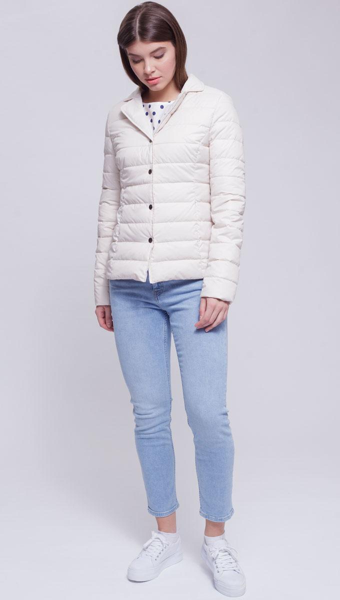 Куртка женская Ampir Style, цвет: бежевый. 8924. Размер 448924Качественная и практичная куртка российского производства. Наполнитель - холлофайбер в пух-пакетах. Можно стирать в машинке, наполнитель не убежит. На модели 42 размер куртки, параметры модели 82х64х89, рост 175 см.